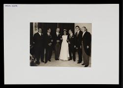 positivo Foto di gruppo: Nino Rota e altre persone a un matrimonio, 29 settembre 1962