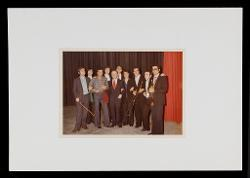 positivo Foto di gruppo: Nino Rota e alcuni strumentisti dell'Orchestra Sinfonica di Bari, [anni '70]