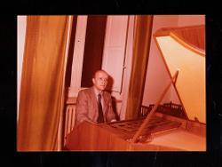 materiale vario Nino Rota e alcuni allievi del Conservatorio Niccolò Piccinni di Bari, [anni '70]
