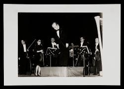 positivo Nino Rota dopo il Concerto per arpa e orchestra al Teatro Politeama Greco di Lecce, 12 dicembre 1972