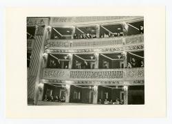 positivo Nino Rota saluta il pubblico da una loggia del Teatro di San Carlo, 13 gennaio 1968