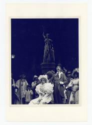 positivo Foto di scena: Ashley Putnam e Claude Corbeil, 17 agosto 1977