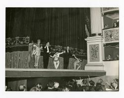 positivo Sul palco: Giovanni Notari, Walter Venditti, Luciano Rosada, Carla Fracci, Nino Rota e Vera Colombo, 02 ottobre 1957
