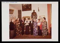 positivo Foto di gruppo: Nino Rota, Federico Fellini e altre persone, [anni '70]