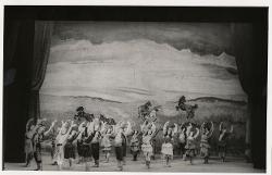 Puszta-Zigeuner (Zingari nella puszta) Veduta d'insieme della scena circense con numerosi interpreti / Foto di scena
