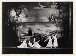 Antikes Tanzbild Veduta d'insieme della scena: Pan e le quattro Ninfe / Foto di scena