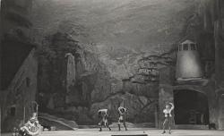 Der Dreispitz (Il Cappello a tre punte) Veduta d'insieme della scena con interpreti / Foto di scena