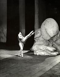 La Follia di Orlando Elisabetta Terabust nel ruolo di Angelica e un ballerino / Foto di scena
