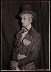Qui comincia la sventura del signor Bonaventura Paolo Poli nel ruolo del bellissimo Cecè / Foto di scena